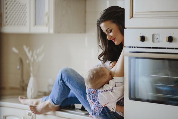 przestać karmić piersią w domu